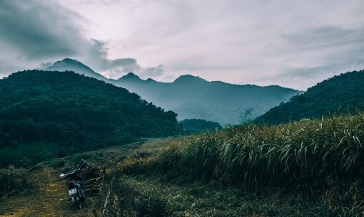 best time to go to vietnam ninh binh mountains