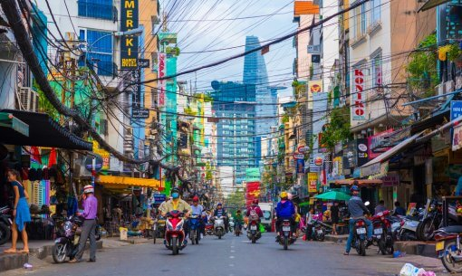 Stay safe and alert when walking in street of Ho Chi Minh City