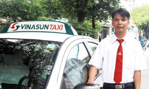 How to take a taxi in Ho Chi Minh with Vina Sun