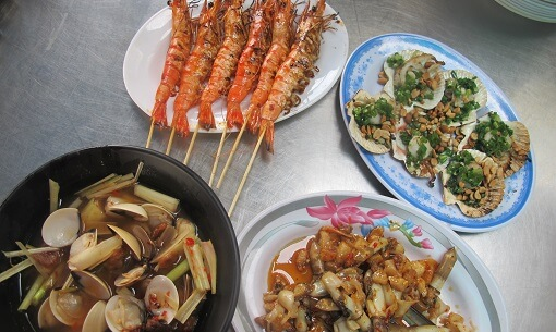 Seafood Tour in Ho Chi Minh City Street Eat Dishes