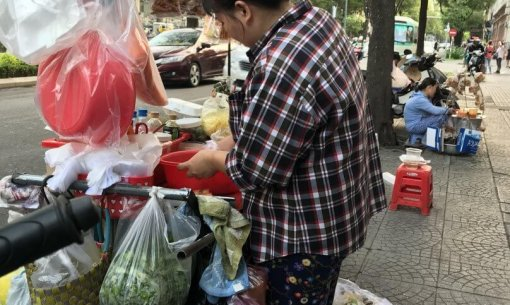 Is Ho Chi Minh CIty Safe when it comes to eating street food