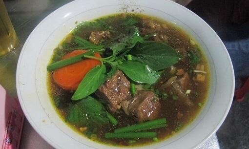Braised beef stew is a secret Saiogn street Eat in Chinatown