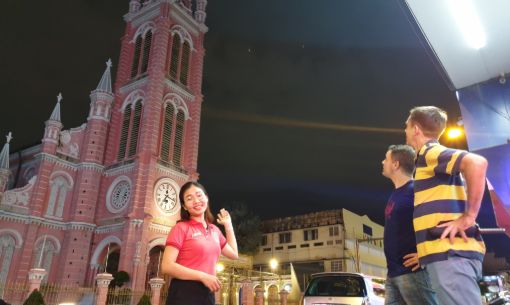Ho Chi Minh City Walking Food Tour with Sightseeing